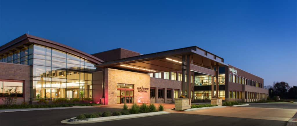 Iconergy commissioned the 58,000 square foot medical office building addition to an existing 143,000 square foot hospital. The two-story medical office building houses specialty physicians and ambulatory services.