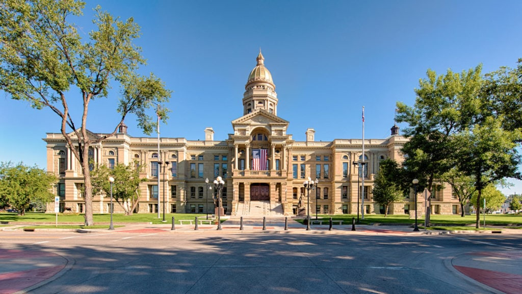 Iconergy provided commissioning services for the Wyoming State Capitol Complex, which is a historical building. This multi-phased project included the 60,000 square foot Capitol Building expansion, the neighboring 229,000 square foot Herschler Building and its 49,000 square foot expansion, and the new 18,000 square foot Central Utility Plant.
